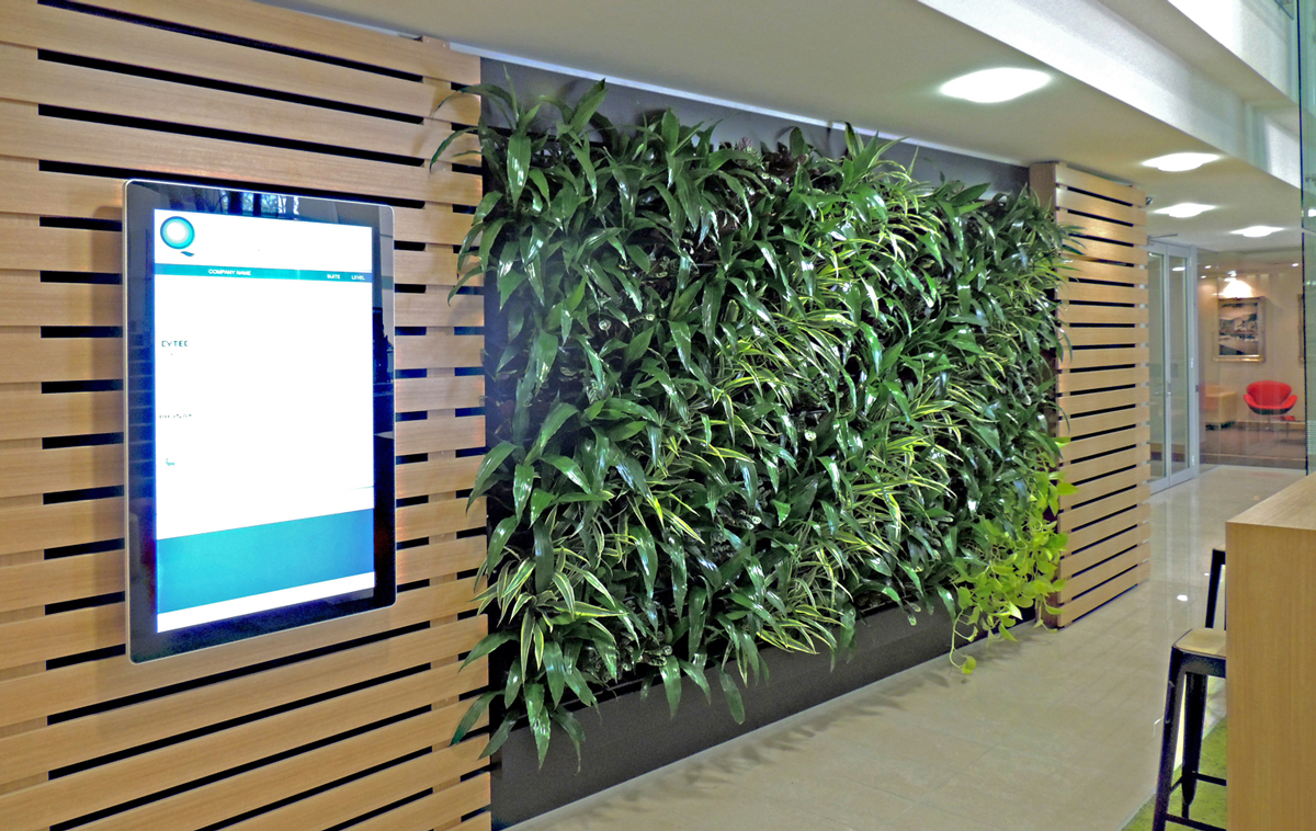21 SOLENT CT GREEN WALL IN FOYER